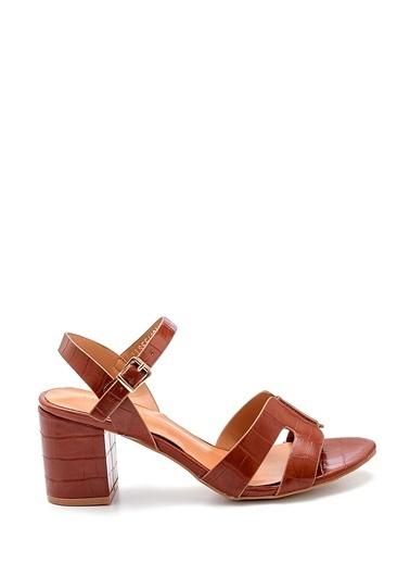 Derimod Kadın Sandalet (3047-3292-Y04) Casual Taba